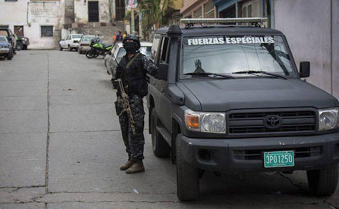 Detuvieron a tres personas en Catia La Mar por revender gasolina – Noticias Venezuela
