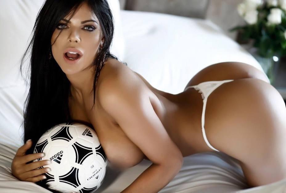 Miss Bum Bum Dedicó Una Foto Casi Desnuda Para Apoyar A Messi
