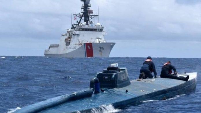 Hoy - Colombia - Página 12 Asi-capturo-narcosubmarino-cargado-con-toneladas-cocaina_288472-696x392