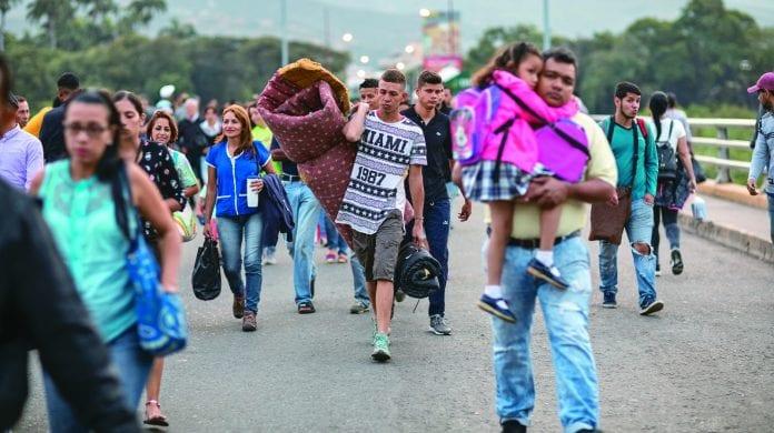 venezolanos planean irse del país