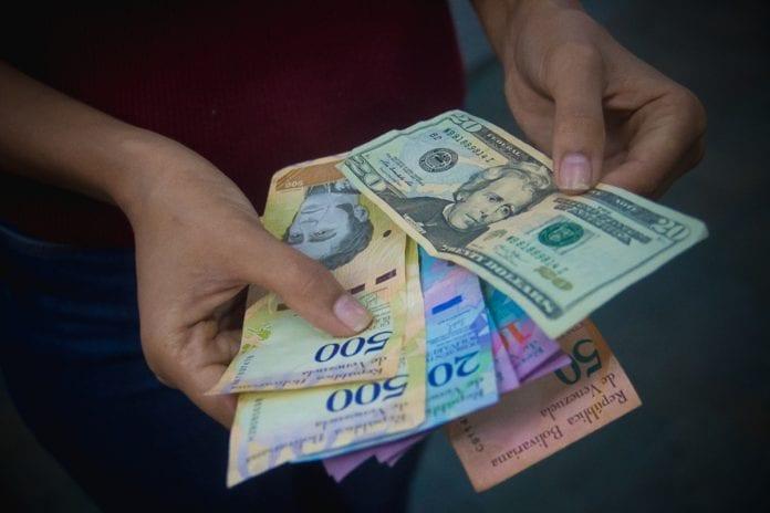 Dólar-Bolívares-mesas-de-cambio