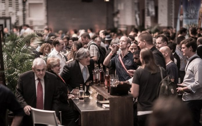 El Ron Roble gana Plata en el German Rum Festival de Berlín