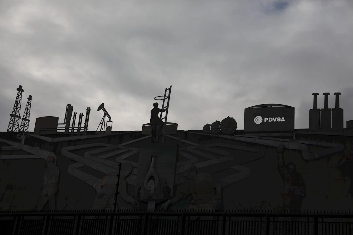 Ministro venezolano dice capacidad petrolera ha sido golpeada por sanciones