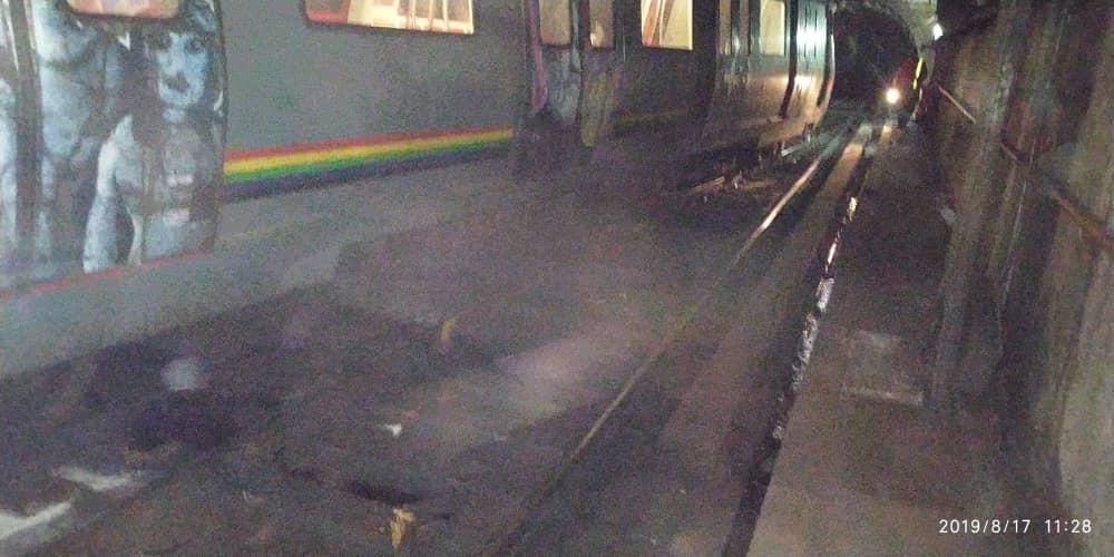Tren del Metro de Caracas se descarriló en Los Dos Caminos