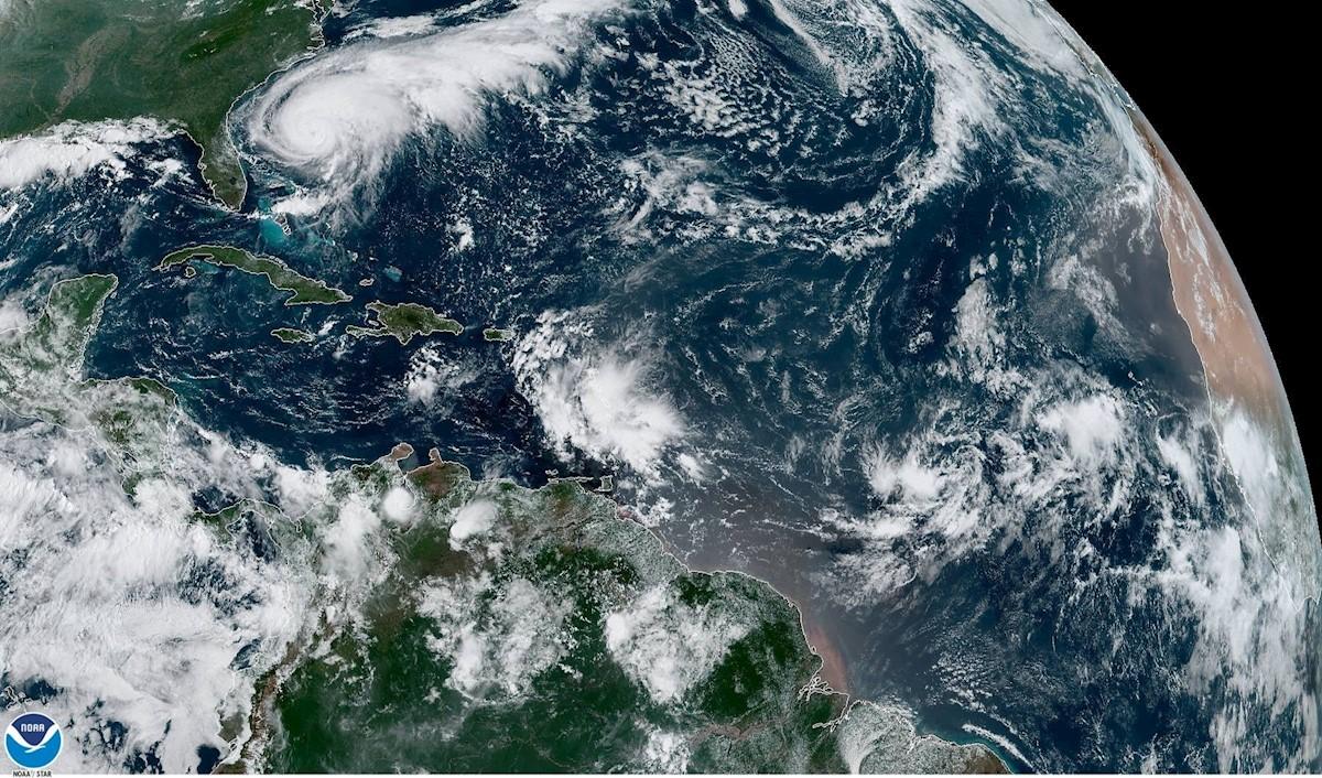 Se fortalece el huracán 'Humberto'