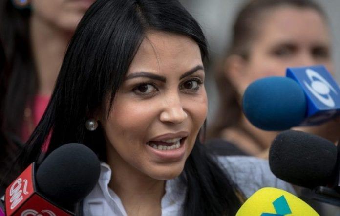 comisión - Delsa Solórzano