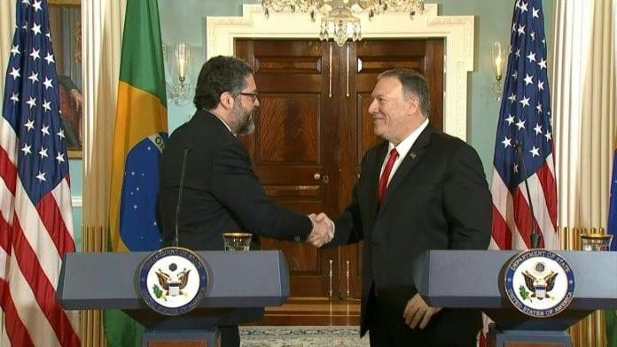 Ernesto Araujo y Mike Pompeo