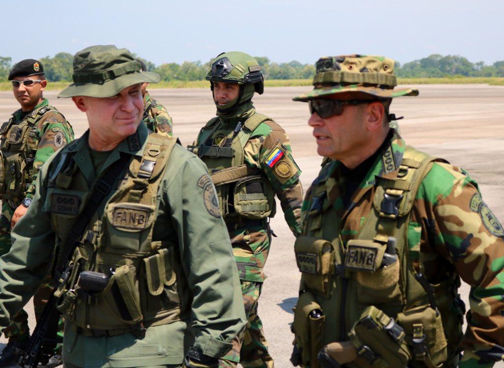 Maduro despliega 150.000 efectivos en zonas fronterizas con Colombia