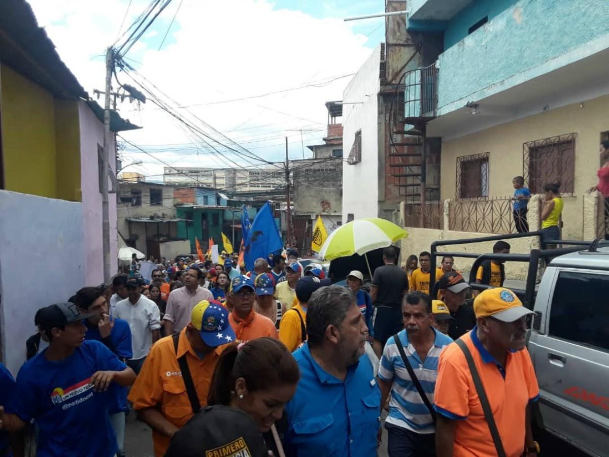 Colectivos chavistas atacaron protesta convocada por Guaidó