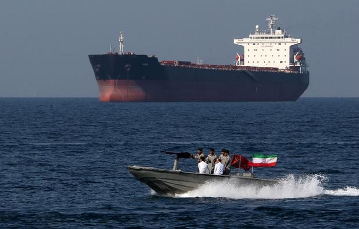 Irán incautó un buque petrolero en el Golfo Pérsico por presunto contrabando