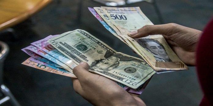 Salario y bonos en dólares