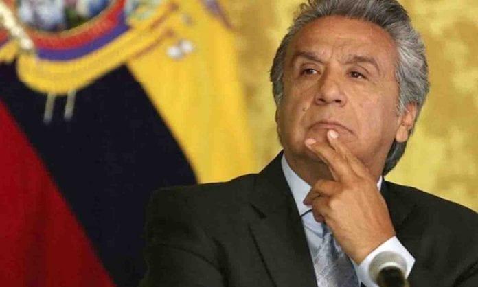 a Correa y a Maduro