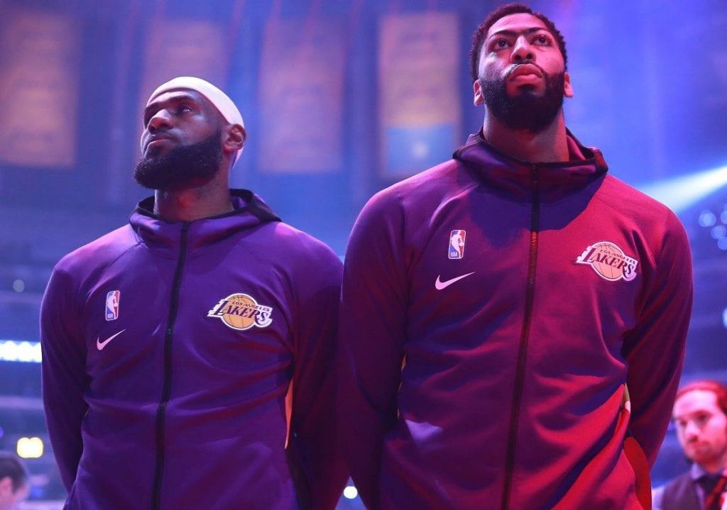 Los Clippers ganan la primera batalla de la temporada a los Lakers