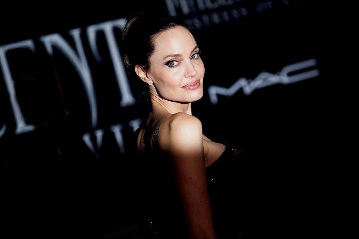 Jolie Fanning Y Pfeiffer Brillan En El Estreno De Malefica 2