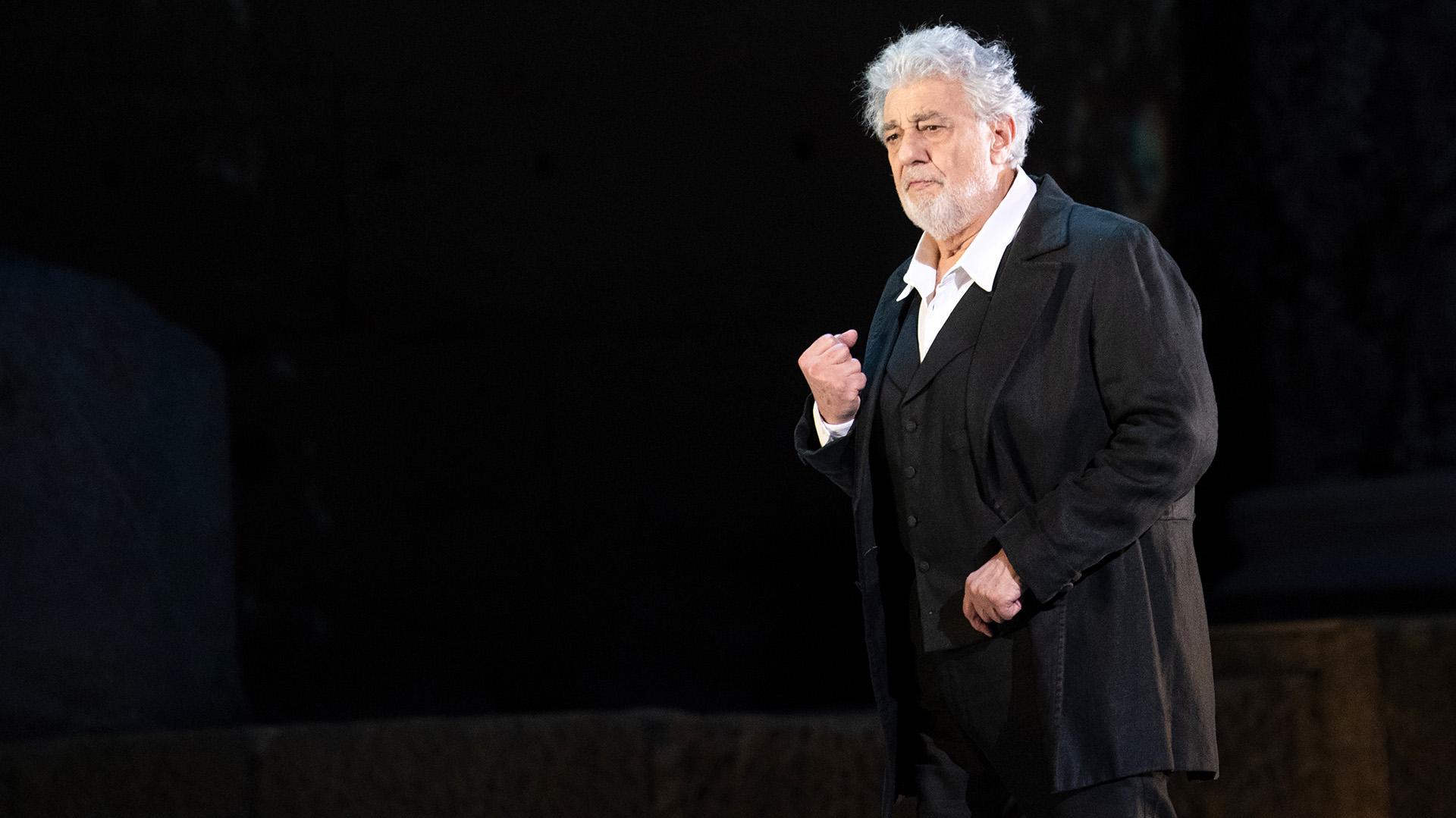 Plácido Domingo renuncia a dirección general de Ópera de Los Angeles
