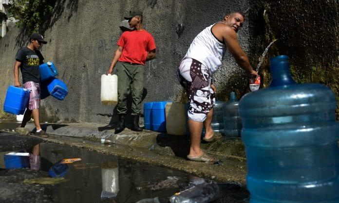 suministro de agua Baruta