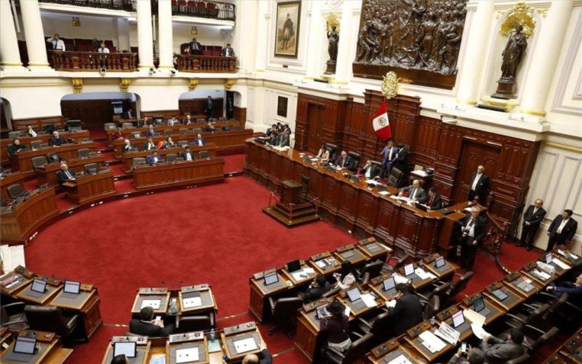Olaechea presentó demanda competencial ante Tribunal Constitucional por disolución del Congreso