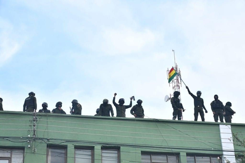 Bolivia: Motín policial en Cochabamba y Sucre