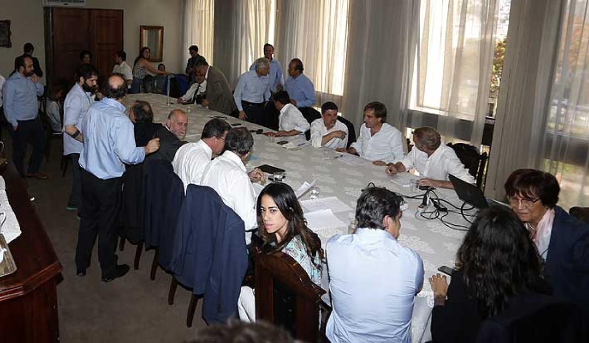 Acuerdo histórico para organizar un plebiscito por una nueva Constitución