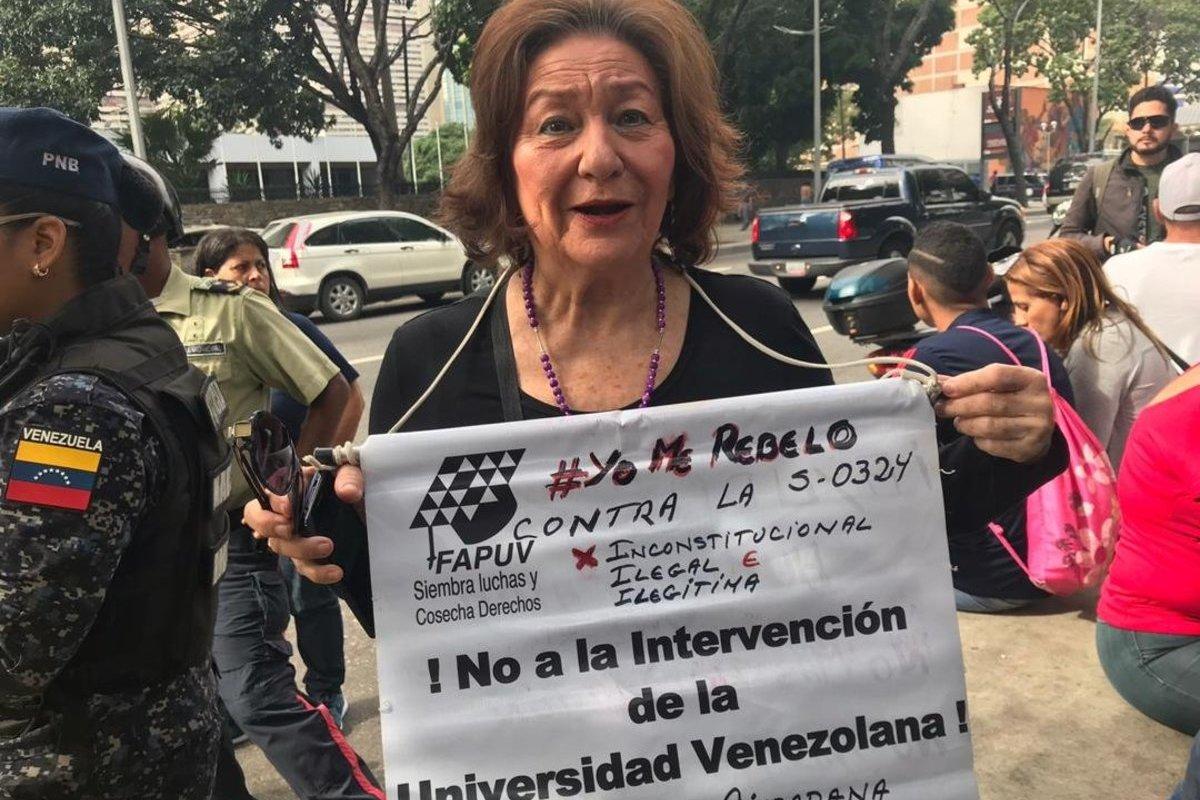 Docentes protestaron