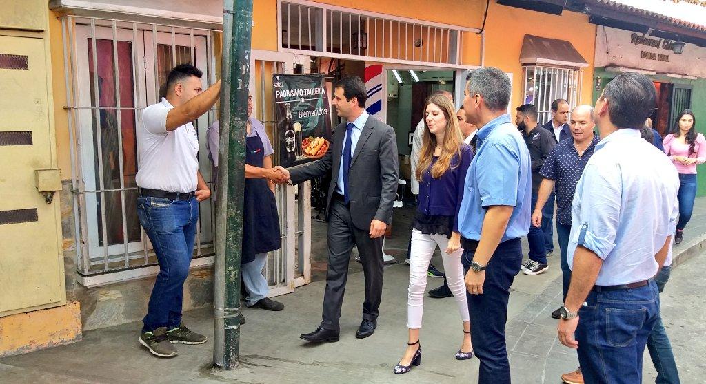 Elías Sayegh inauguró sistema peatonal en el pueblo de El Hatillo - El Nacional