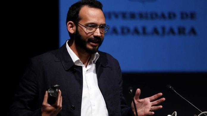 El escritor Rodrigo Blanco