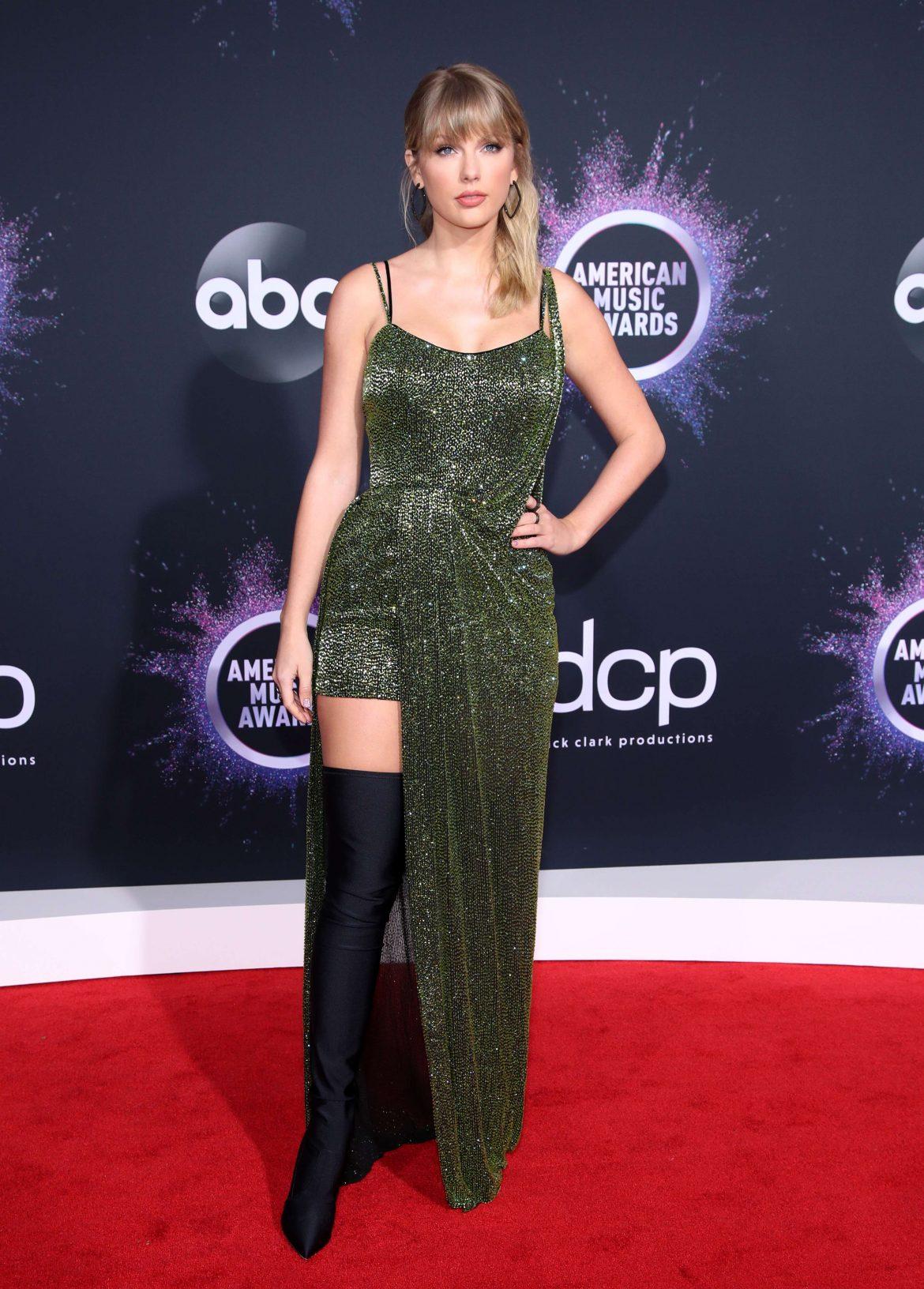 Looks American Music Awards