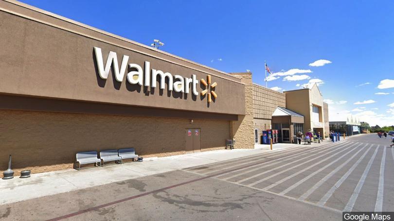 Mexicanos presentan denuncia contra Walmart
