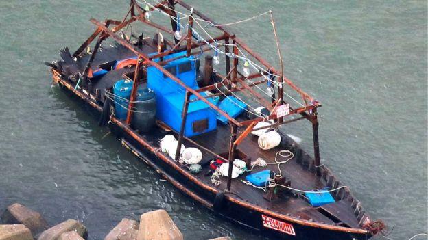 Un 'barco fantasma' aparece en Japón con cuerpos y cabezas cercenadas