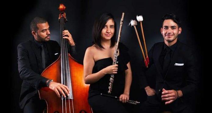 Bolivar Phil, una orquesta compuesta por más de un centenar de músicos profesionales venezolanos emigrados a Estados Unidos