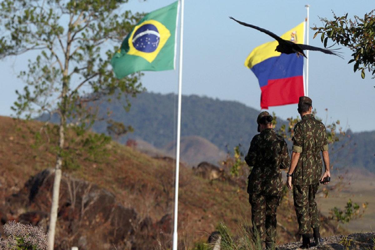 Brasil retiene cinco militares Venezuela