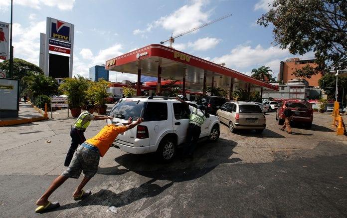 Varios estados del país siguen afectados por falta de gasolina