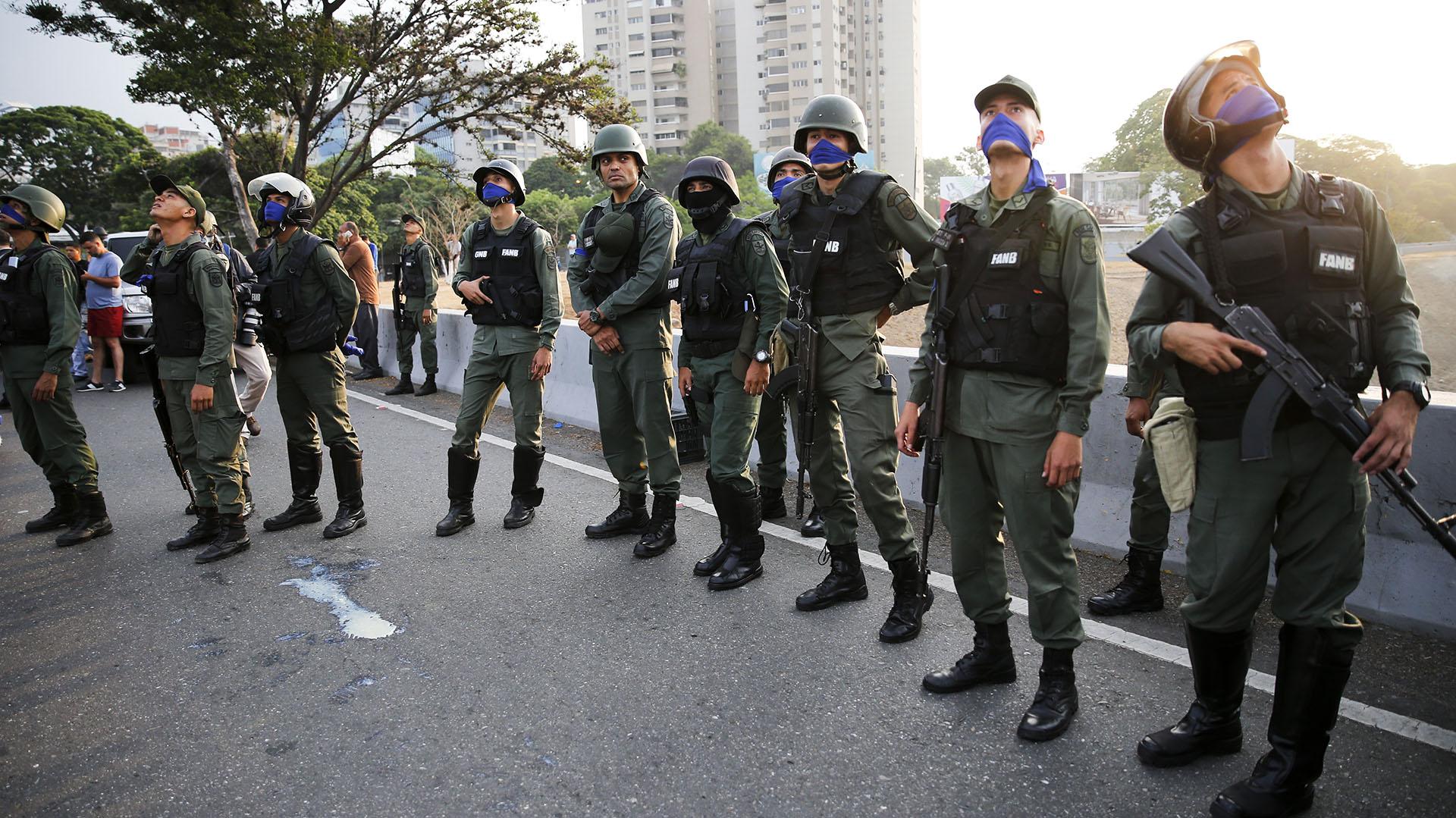 Confirman evasión de militares de la embajada de Panamá