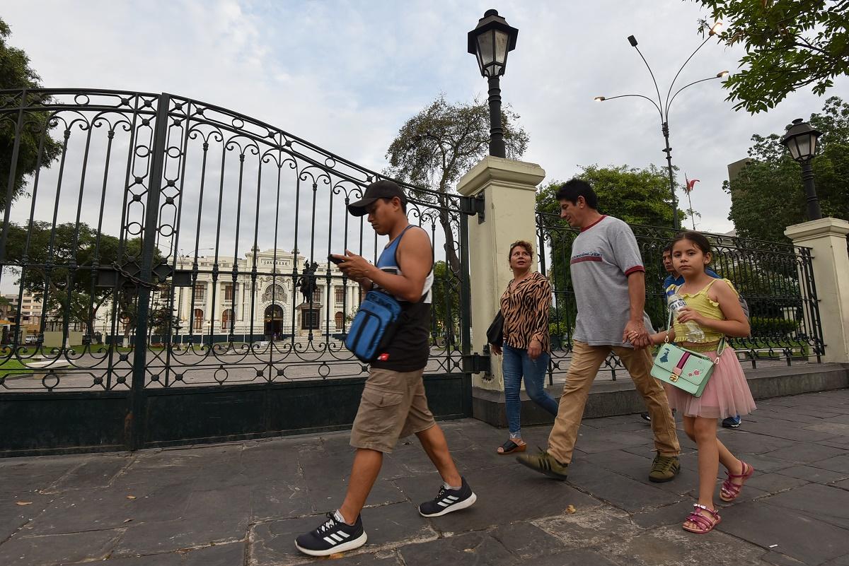 Congreso de Perú tendrá hasta 10 partidos, según primeros resultados