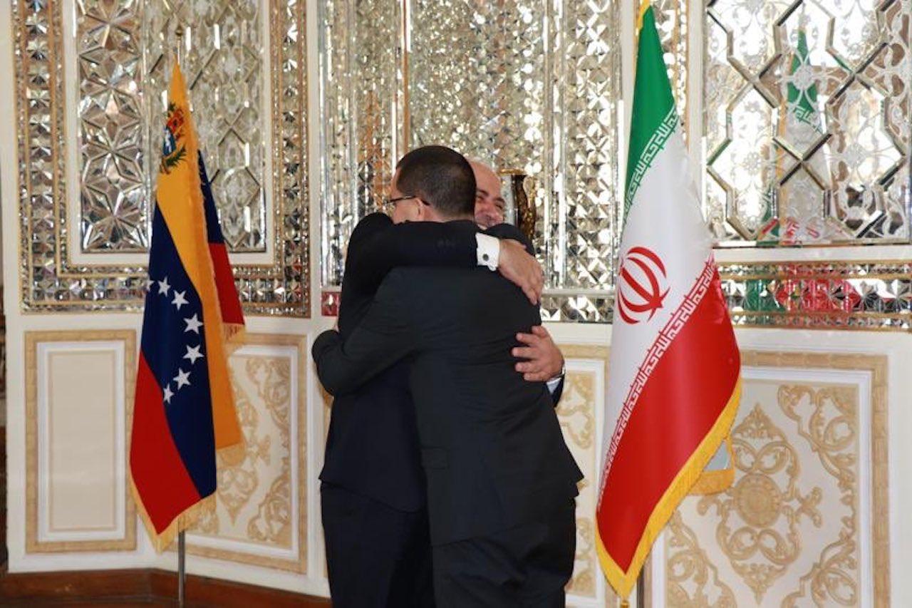 Venezuela e Irán acuerdan defender el multilateralismo
