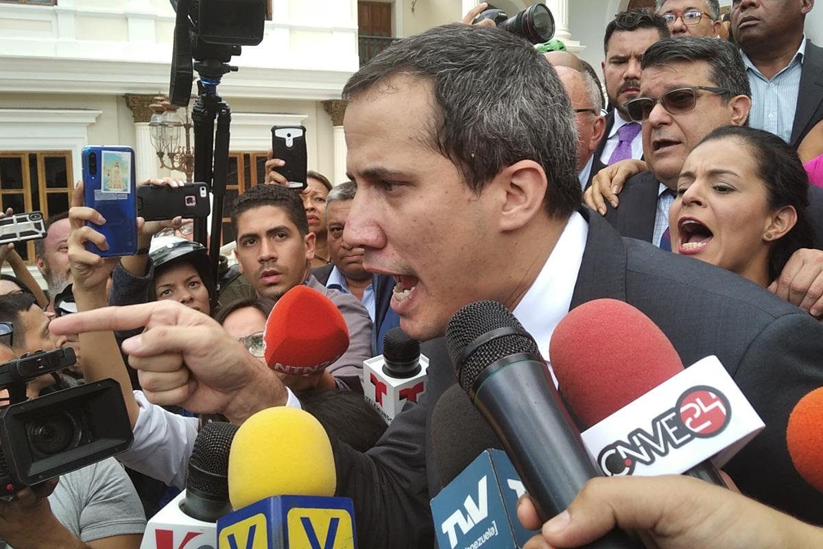 Juan Guaidó ofreció declaraciones a la prensa en el Palacio Federal Legislativo