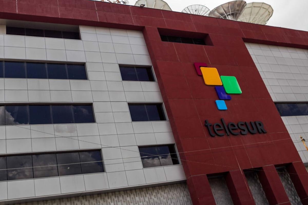 Condena Unión de Periodistas de Cuba maniobras para silenciar a TeleSUR