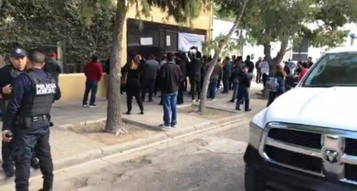 Dos muertos y 6 heridos en tiroteo en escuela de México provocado por un menor