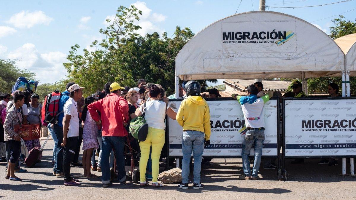 Colombia lanza paquete de medidas para regularizar a migrantes venezolanos