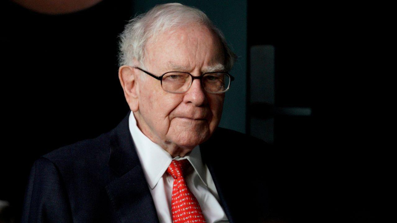 Buffett se da por vencido y vente todos sus periódicos
