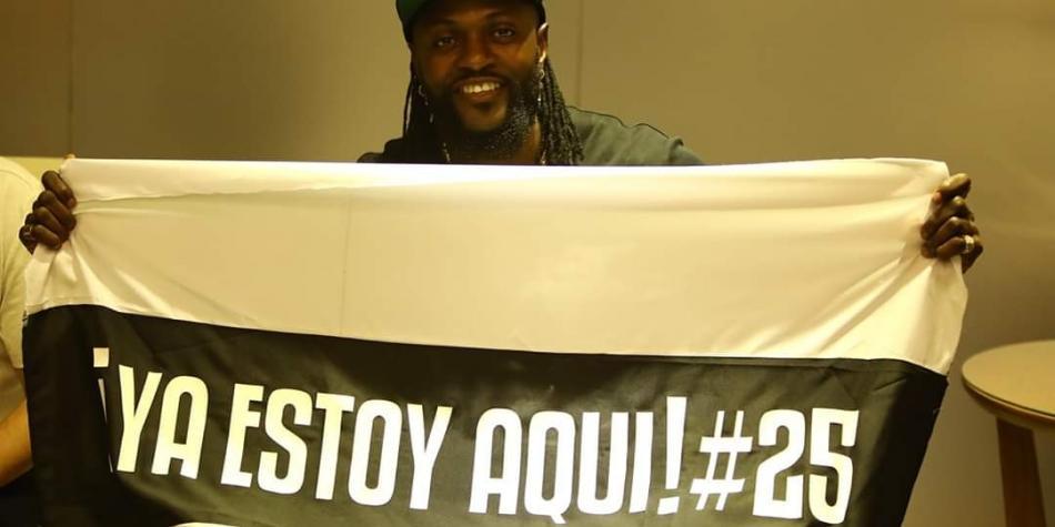 Olimpia ya tiene a su nuevo 'galáctico': Emmanuel Adebayor
