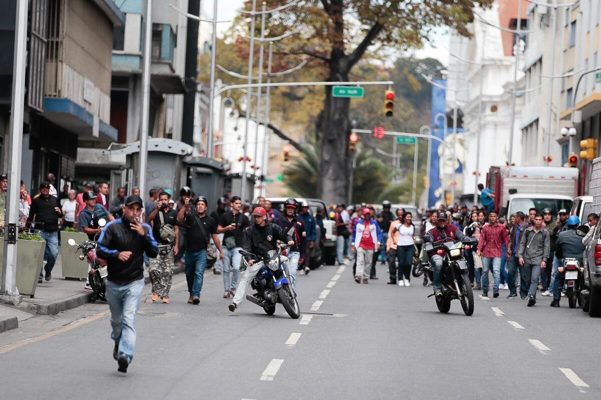Colectivos armados atentaron contra periodistas y diputados el 15 de enero, chavismo