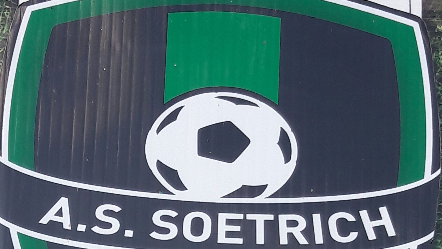 Suspendido cinco años un futbolista por morderle el pene a un rival