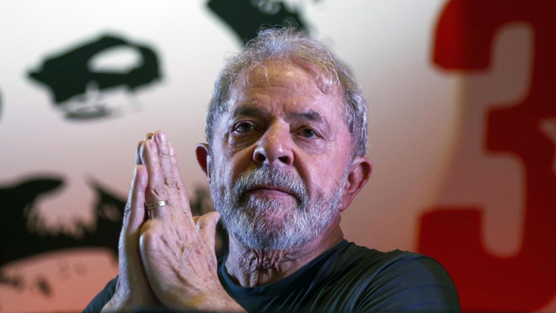 Francisco habló durante una hora con Lula da Silva en audiencia privada