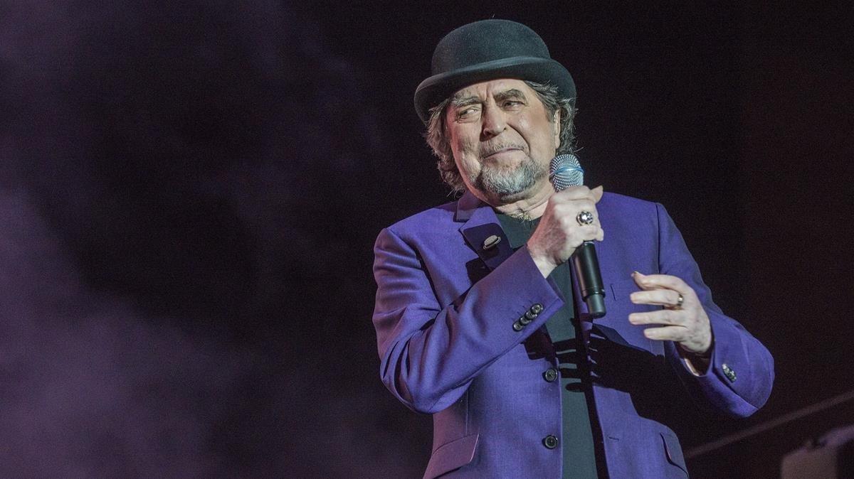 Joaquín Sabina cae del escenario en concierto en Madrid | Videos