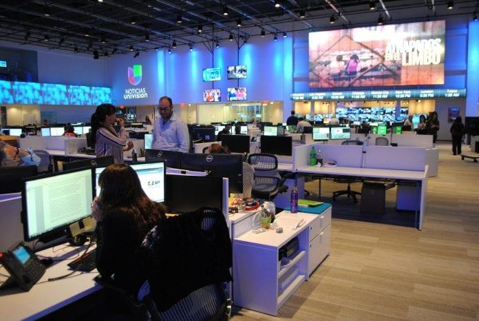 Univision negoció su venta a un grupo de inversores, según el WSJ