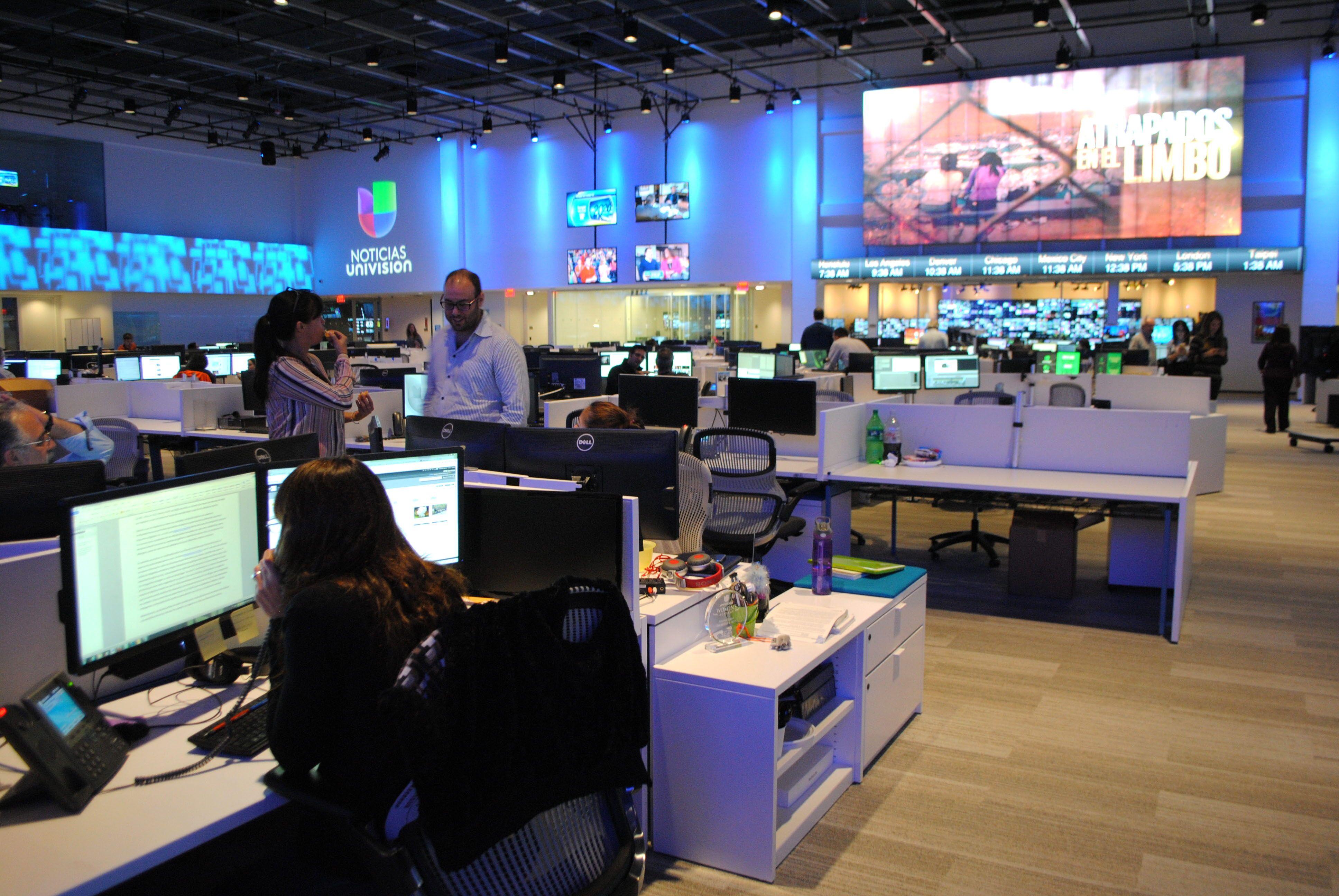 Negocia Univision su venta a un grupo de inversores