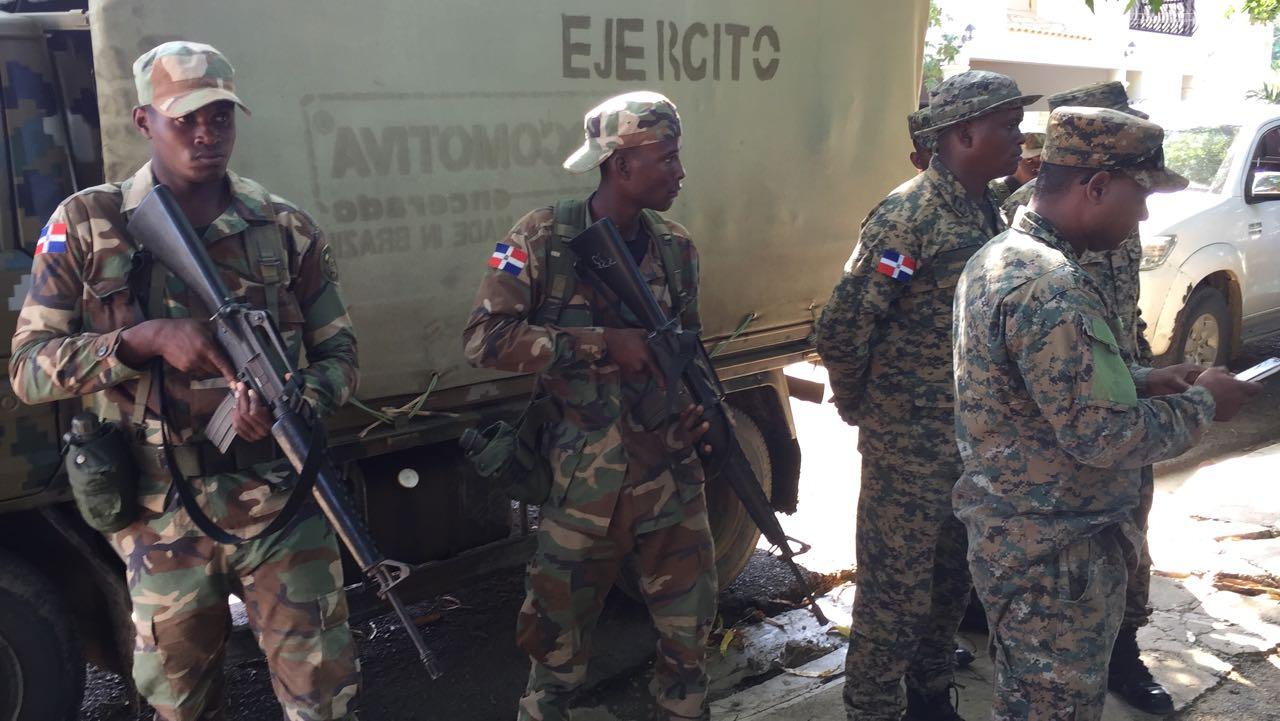 Violentos enfrentamientos entre policías y militares dejan varios muertos y heridos — Haití
