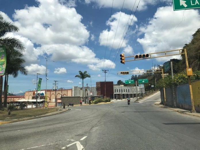 Tránsito vehicular será restringido hasta la noche durante la cuarentena en El Hatillo