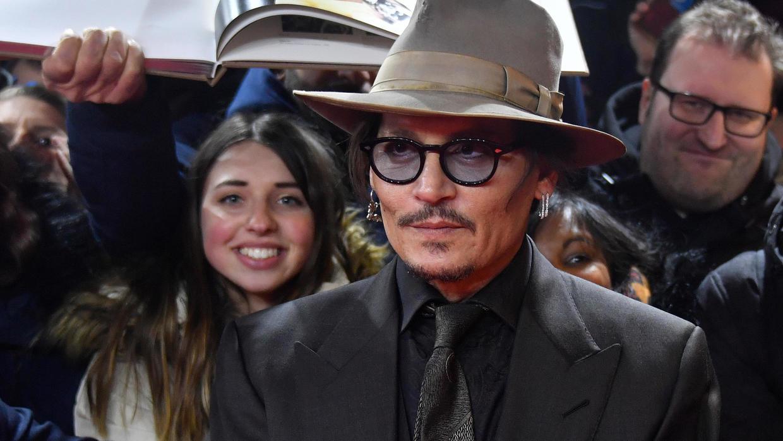 Javier Bardem testifica a favor de Johnny Depp en demanda por difamación